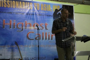 Reuben Egolf Teaching Principled Centered Leadership in the Philippines